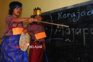 Letri berperan sebagai Patih Gajah Mada dan Imam berperan sebagai Kalagemet (Jayanegara)